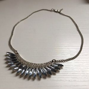 Jewelry - 🌸 Statement Silver Bling Necklace